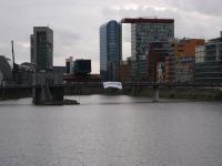 Blockupy-Banner im Medienhafen Düsseldorf